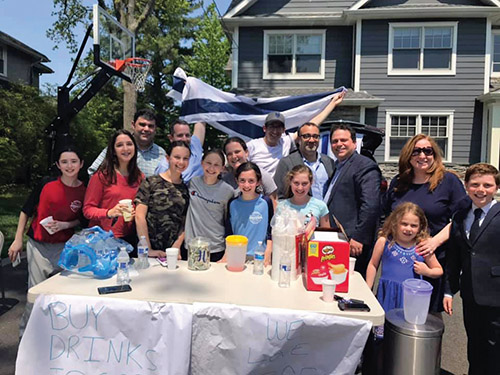 Teaneck Makes Lemonade for Israel