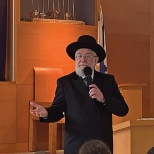 Moriah Spends the Morning With Chief Rabbi Yisrael Meir Lau