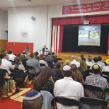 Yavneh Academy Hosts Speaker Janell Burley Hofmann on Tech Boundaries
