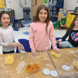 KC Kids Aftercare Program At Yeshivat He'Atid Enjoys Tu B'Shevat