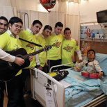 'Osim Sameach' Brings Smiles to Hospitalized Israelis